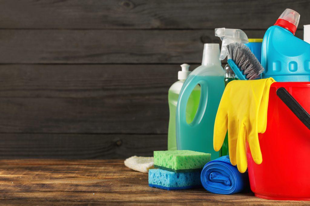 Använda miljövänliga produkter för städning